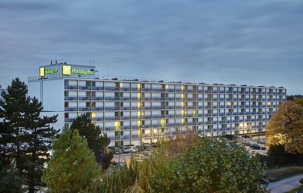 Modern design hotel brussel holiday inn brussels airport for Top design hotels belgium